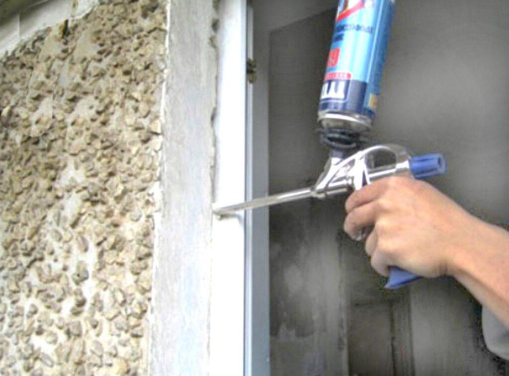 Упругая прокладка для герметизации швов